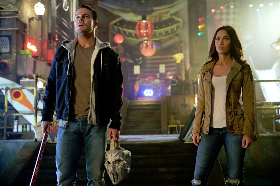 Megan Fox e Stephen Amell podem vir ao Brasil em maio para promover 'As Tartarugas Ninja 2'