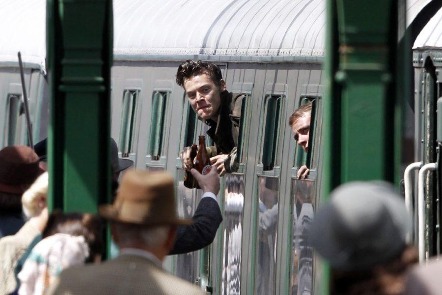 Harry Styles aparece em novas imagens das gravações de 'Dunkirk'