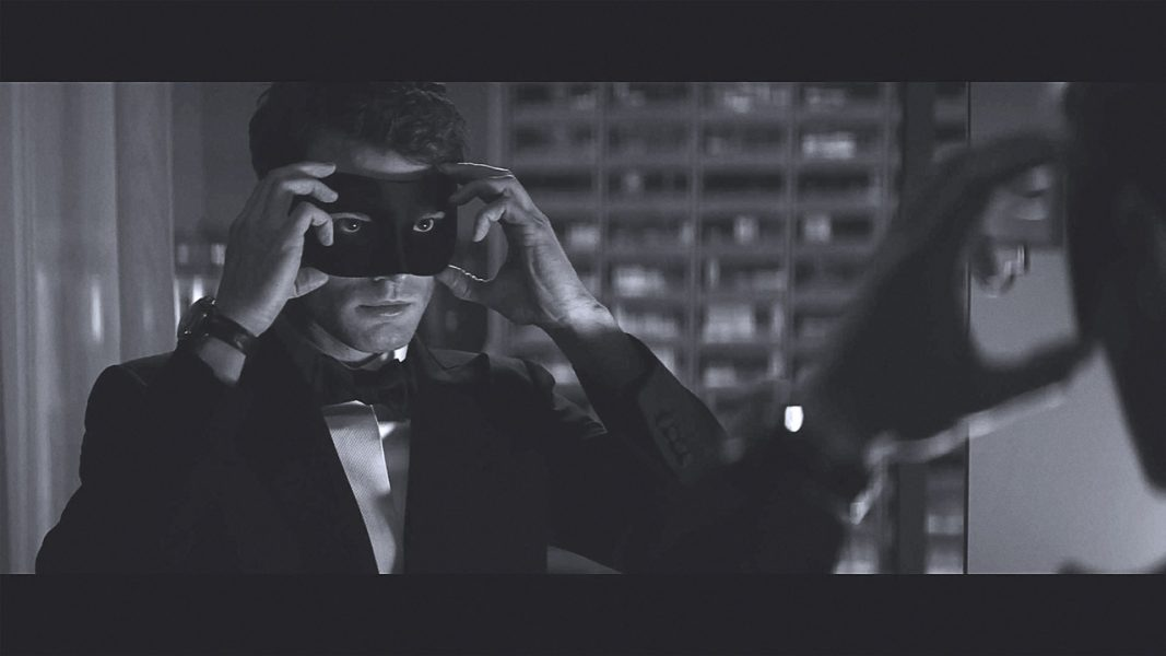 Christian Grey e Anastasia Steele estão de volta em 'Cinquenta Tons Mais Escuros'