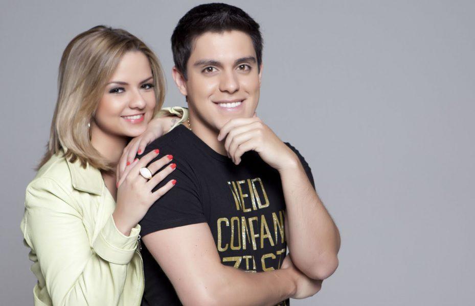 """Maria Cecilia e Rodolfo apresentam turnê """"Em Fases"""" na Wood's, em Curitiba"""