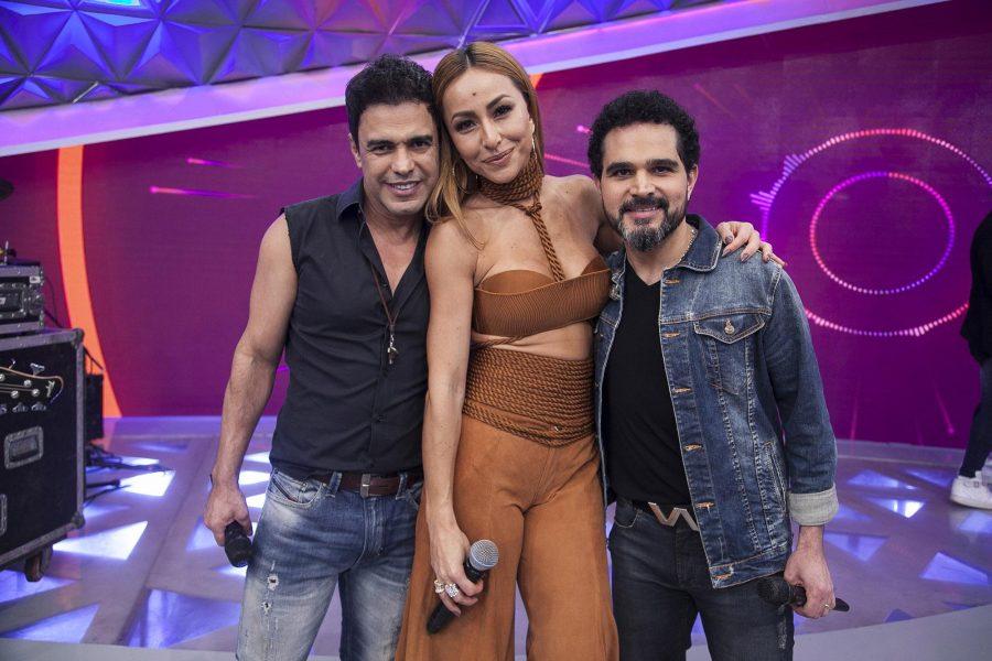 Zezé Di Camargo & Luciano cantam sucessos no Programa da Sabrina, neste sábado