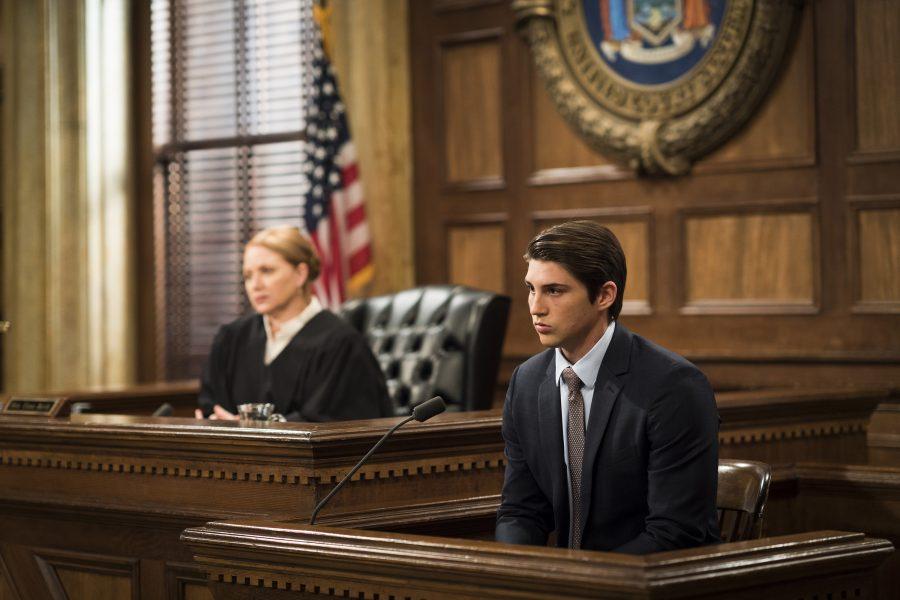Canal Universal exibe o 400º episódio de Law & Order: SVU dirigido por Mariska Hargitay