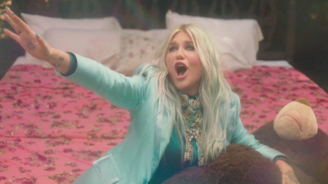Kesha lança nova música já com clipe, assista 'Learn To Let Go'