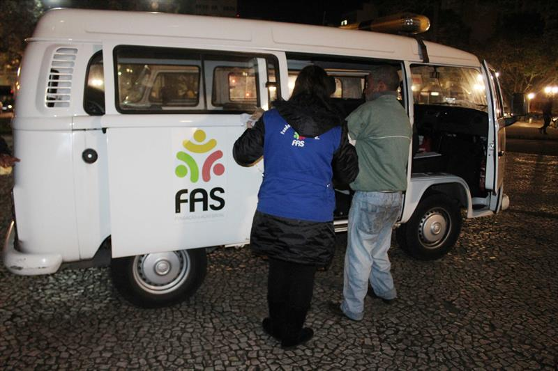 Operação Inverno Curitiba: primeira noite tem 96 abordagens na capital
