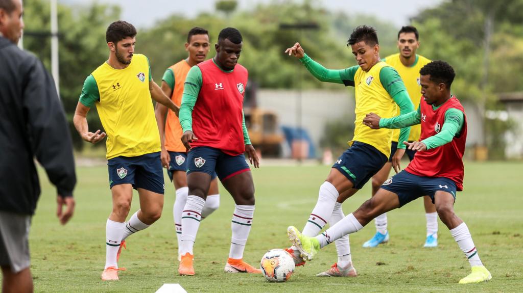 Em nota, Fluminense admite suspensão da equipe sub-23