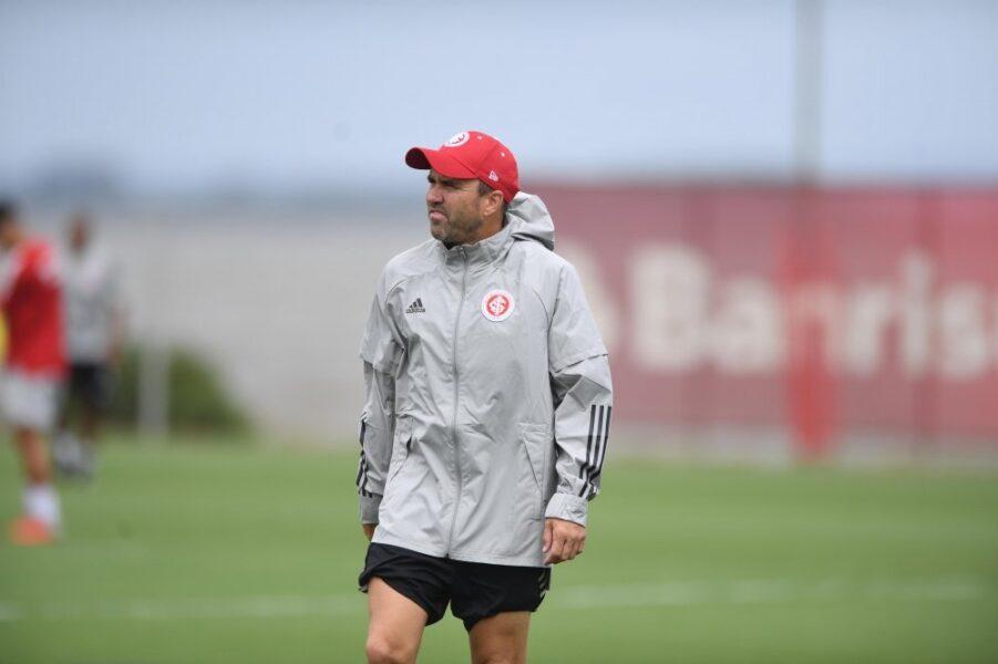 Internacional espera retorno de Coudet até domingo