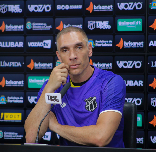 """Fernando Prass questiona clubes voltando aos treinos: """"Sem lógica"""""""