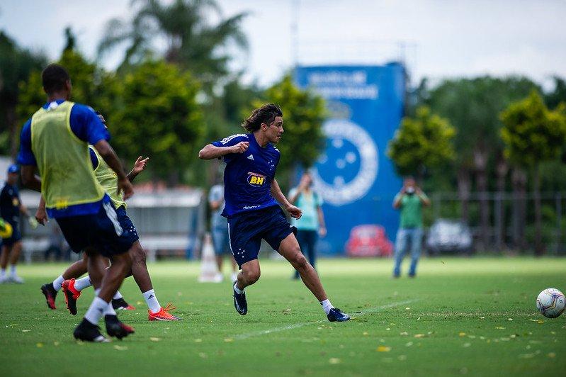 Marcelo Moreno treina com todo elenco do Cruzeiro e vive expectativa de estreia