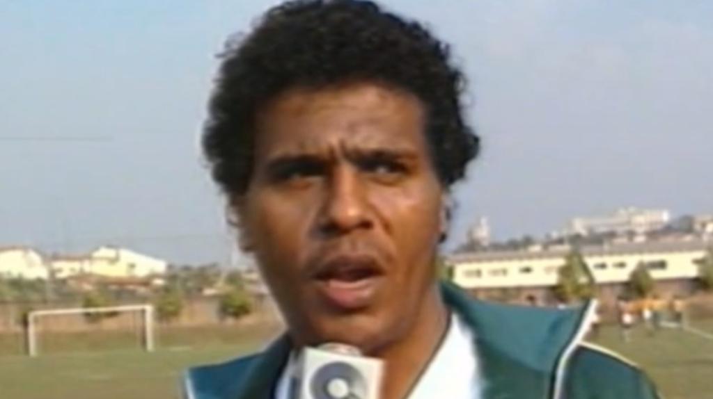 Ex-atacante Eli Carlos morre aos 66 anos