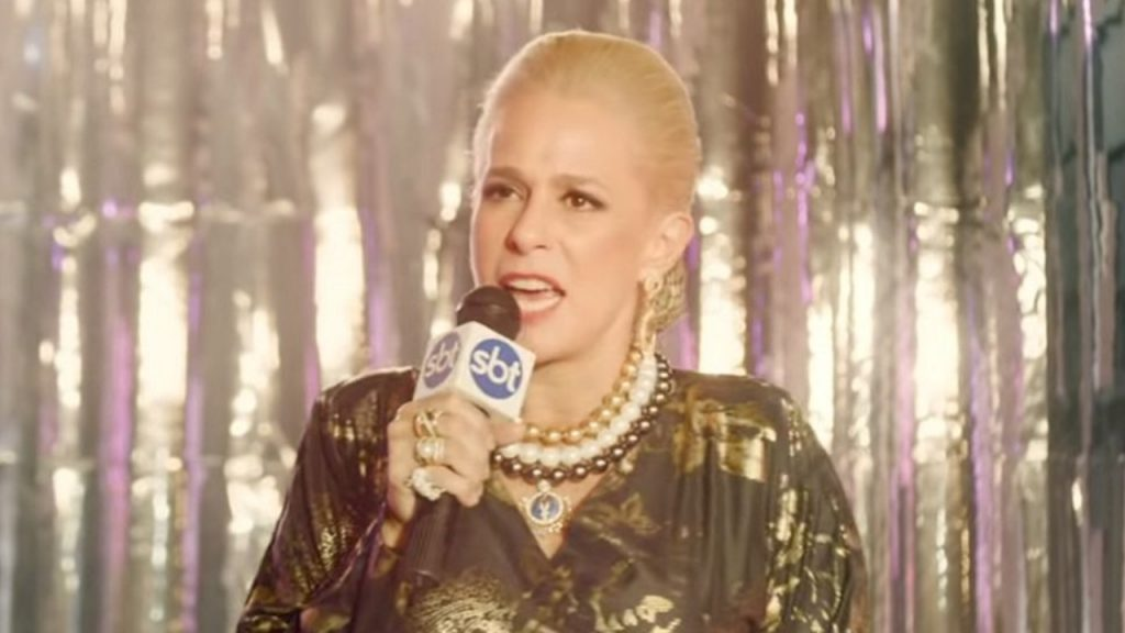 Primeiro trailer de 'Hebe' revela Andrea Beltrão como a apresentadora
