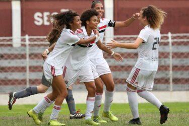 São Paulo promove cinco atletas da base para a equipe feminina principal