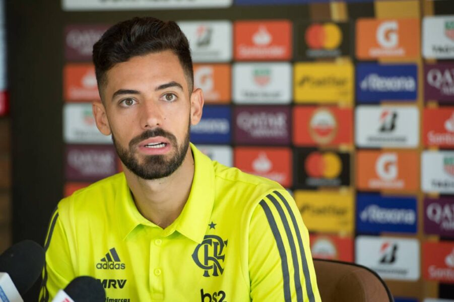Marí diz que Vélez não existe e ouve resposta de Chilavert, ídolo do time argentino