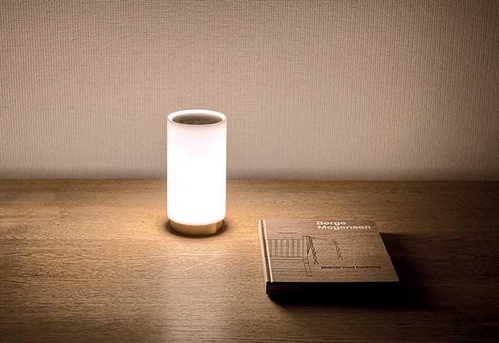 Empresa apresenta luminárias portáteis e com bateria recarregável
