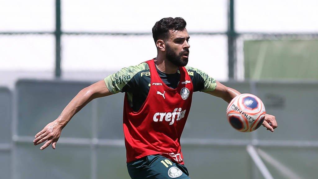 Bruno Henrique destaca preparação do Palmeiras em semana complicada