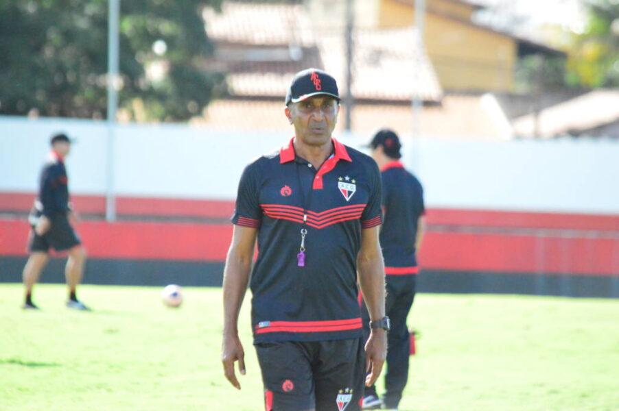 Atlético-GO demite o técnico Cristóvão Borges