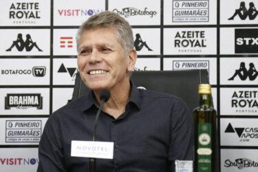 Autuori é apresentado como novo técnico do Botafogo