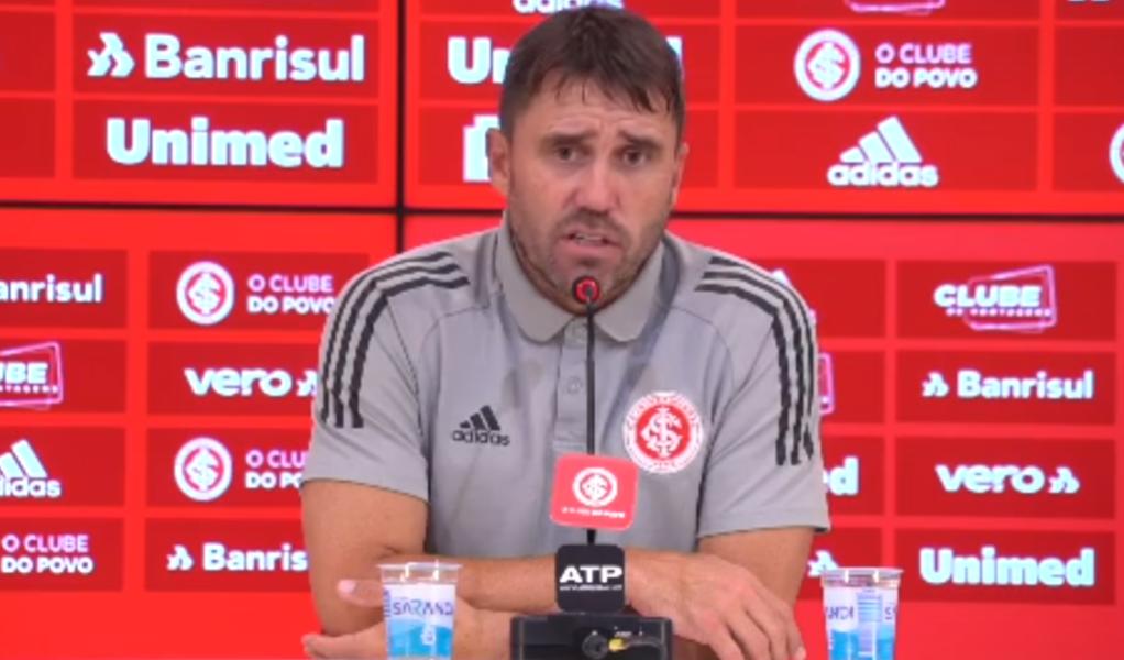 Coudet destaca classificação do Inter e prevê jogos especiais com Grêmio