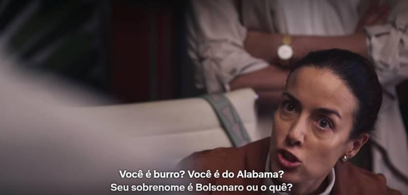 """A Casa das Flores – Série da Netflix cita """"Bolsonaro"""" em discussão sobre aborto"""