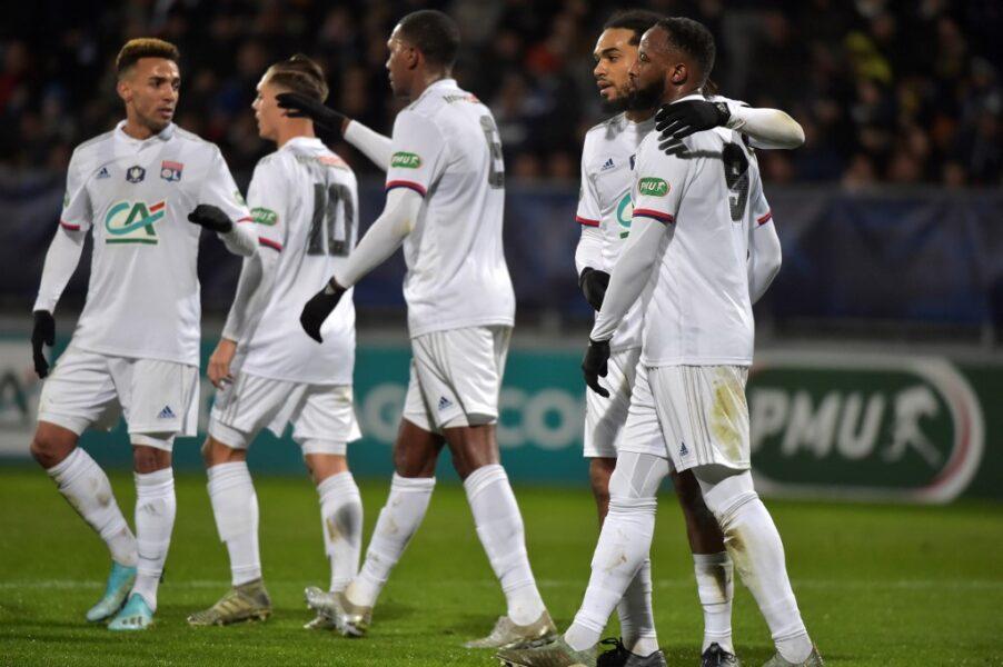Lyon bate o Dijon de virada e estreia com vitória no Campeonato Francês