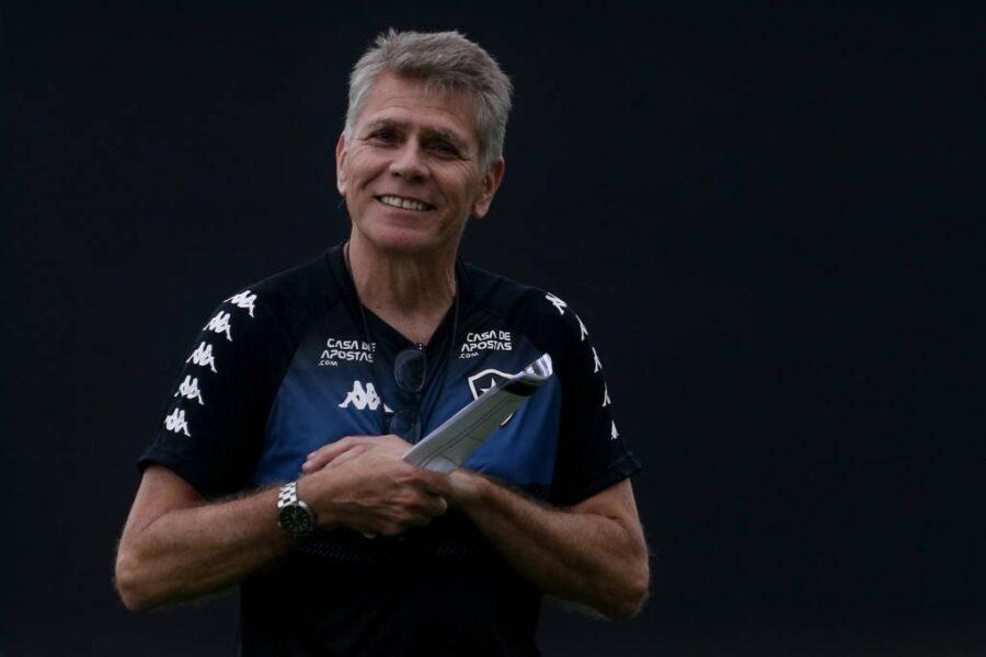 Paulo Autuori conquista elenco do Botafogo