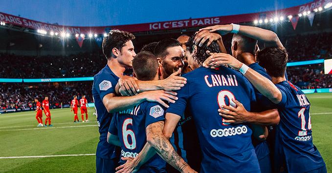 """PSG dedica título francês a profissionais da saúde e a todos """"heróis do cotidiano"""""""