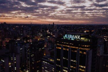 EBANX lança solução para que sites internacionais aceitem cartão de débito da Caixa