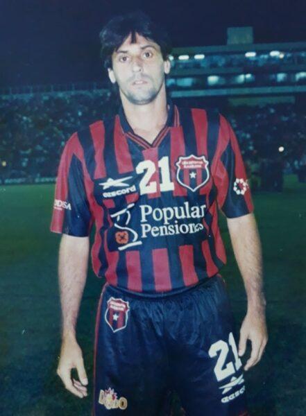 Essinho relembra momentos marcantes que viveu no futebol da Costa Rica