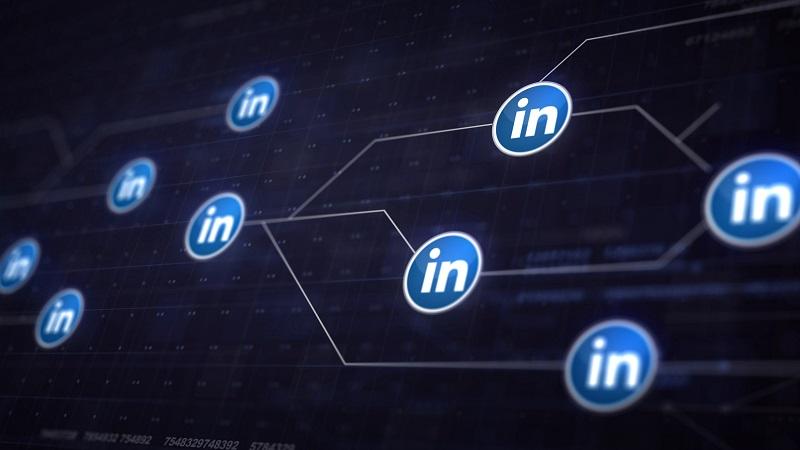 Podcast: Tenho o CEO de uma empresa no meu LinkedIn, falo com ele?