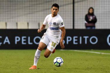 Interesse de Cruzeiro e Sport em Daniel Guedes, do Santos, esbarra em julgamento