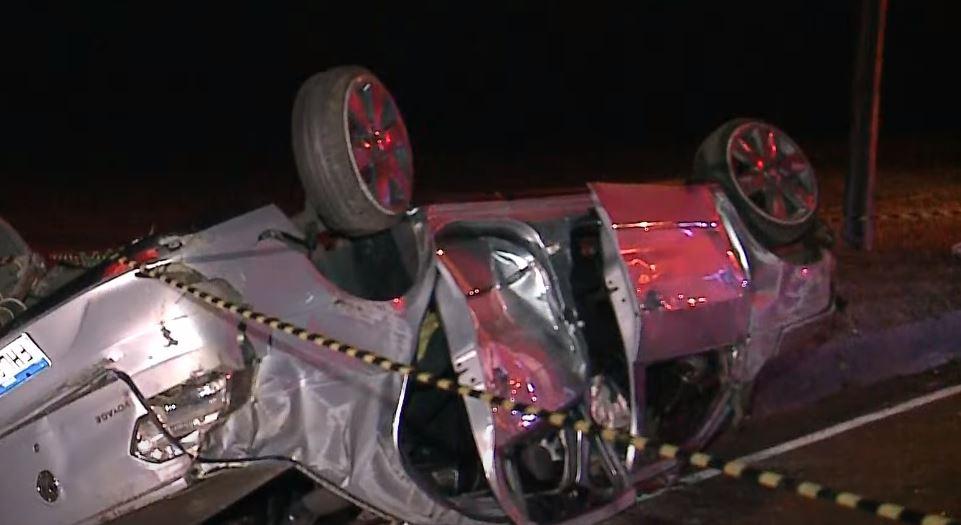 Jovens que voltavam de festa sofrem acidente e motorista morre no local, na Estrada de Bateias
