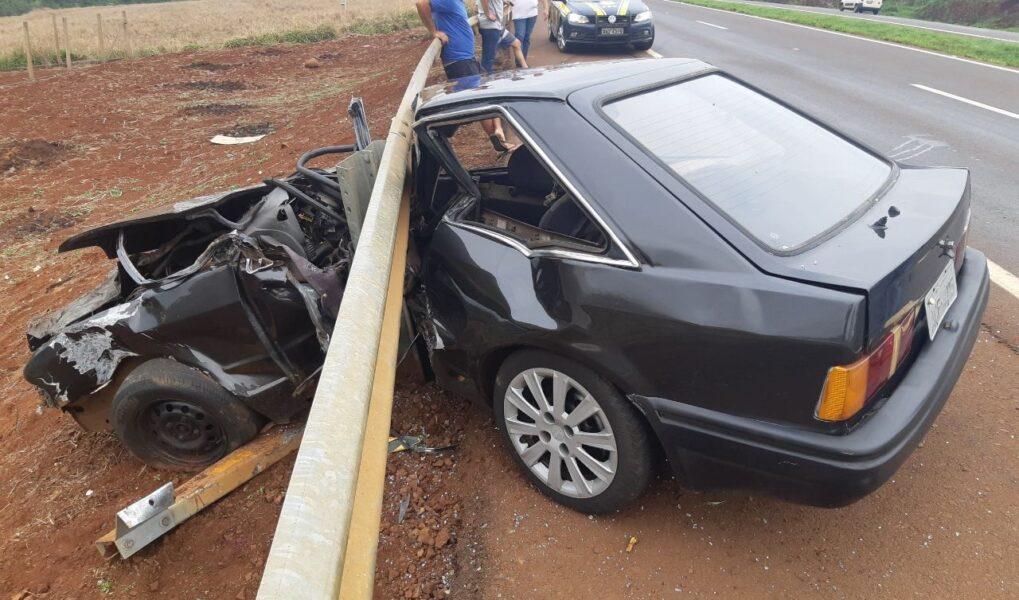 Homem sem habilitação bate carro na BR-467 e fica em estado grave, em Toledo