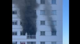 Mulher dorme com aquecedor ligado e apartamento pega fogo em Londrina
