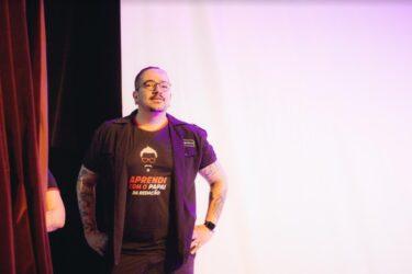 Professor de redação libera 15 dias de aulas online gratuitas na quarentena