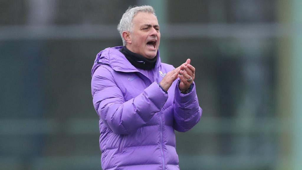 """Mourinho torce pela volta do Campeonato Inglês: """"Bom para todos nós"""""""