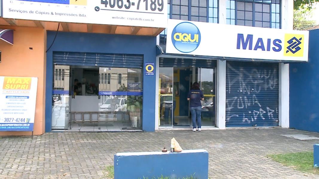 Ladrões deixam recado após não concluírem assalto: 'voltaremos'
