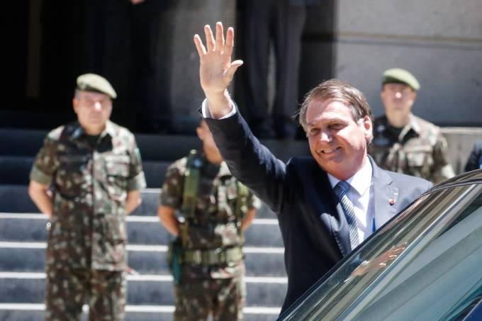 Podcast: As contradições de Bolsonaro quanto às instituições