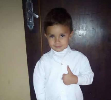 Morre menino de três anos que teve o braço arrancado por centrífuga, em Curitiba