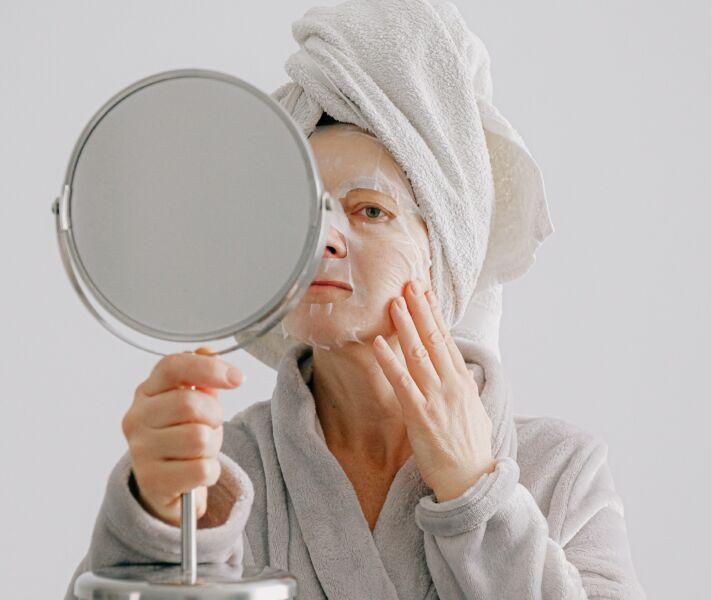 SKIN CARE: máscaras faciais evoluem em direção à categoria de tratamento