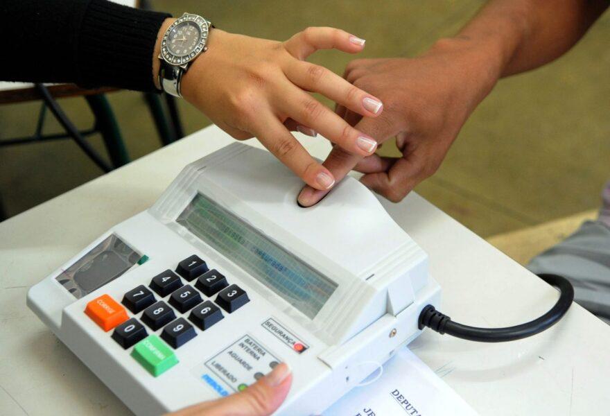 Quase 100% dos eleitores do Paraná têm cadastro biométrico