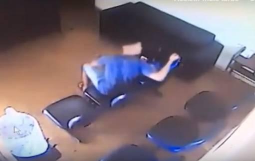 Homem agride ex-namorada dentro da Delegacia da Mulher, em São Paulo
