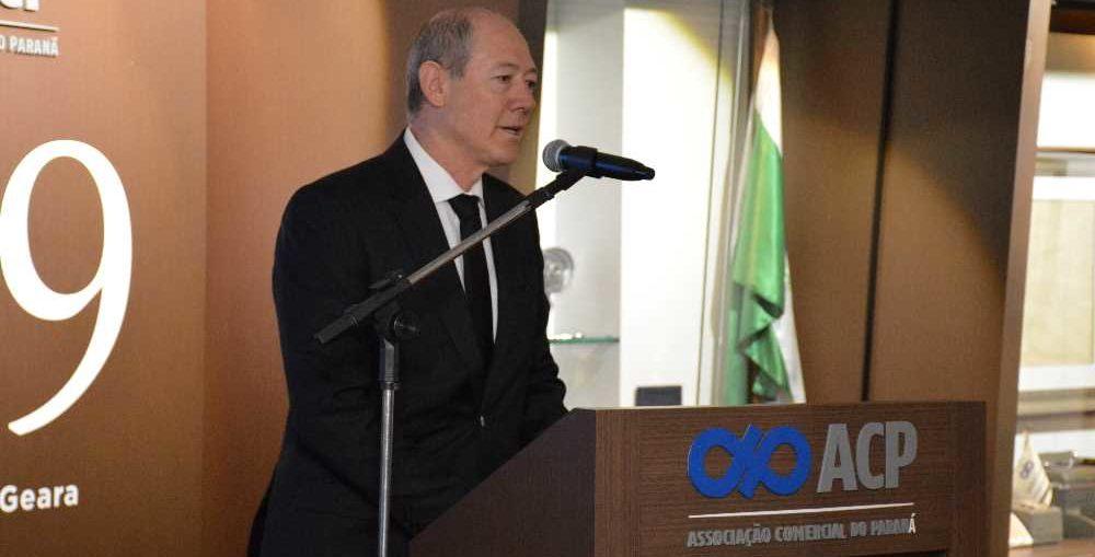 Presidente da ACP pede renúncia de Rafael Greca