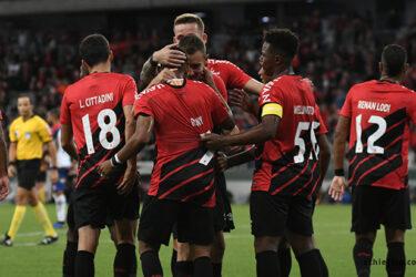 Em jogo com sistema ofensivo, Athletico vence Bahia por 1 a 0 em Curitiba