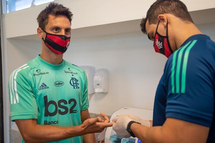 Flamengo emite nota e defende médico Márcio Tannure