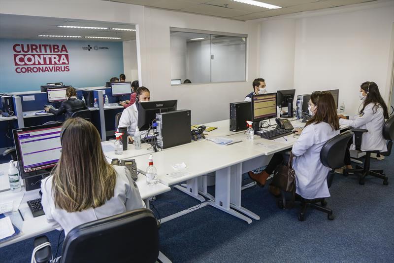 Central telefônica do coronavírus já recebeu 28 mil atendimentos em Curitiba