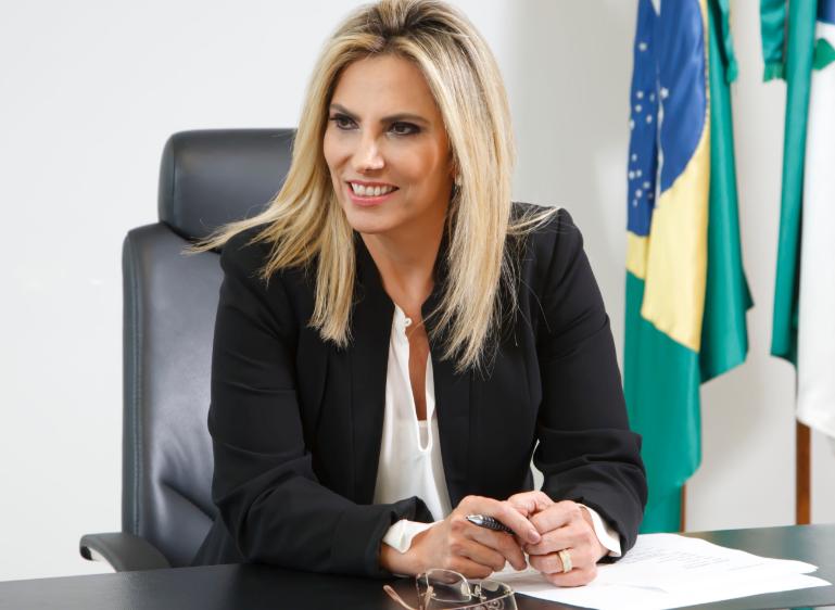 Ex-governadora do Paraná Cida Borghetti testa positivo para coronavírus