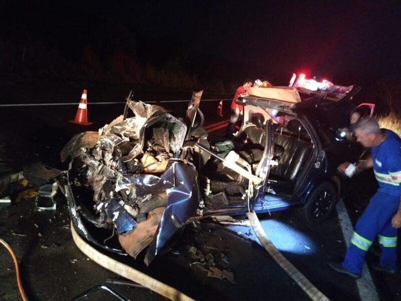 Colisão frontal deixa quatro pessoas feridas na BR-369, em Corbélia