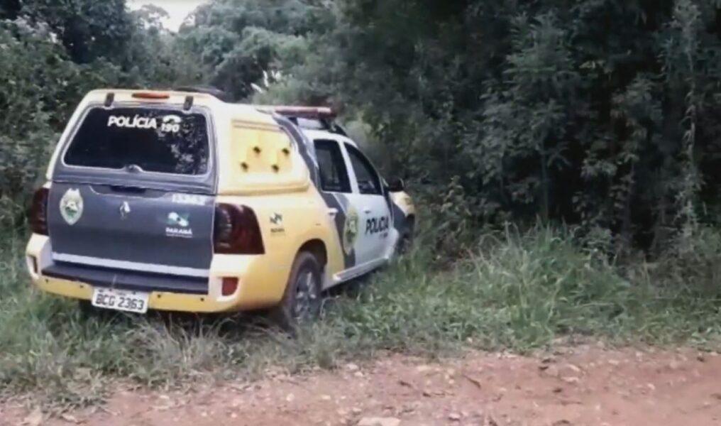 Após roubar carro, dupla de assaltantes morre em confronto com a PM, em Mandirituba