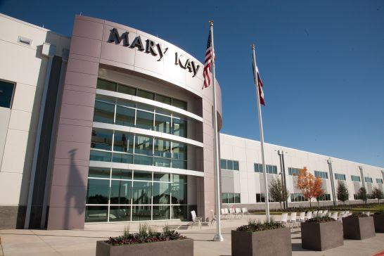 Coronavírus: Mary Kay produz álcool em gel para auxiliar no combate à pandemia