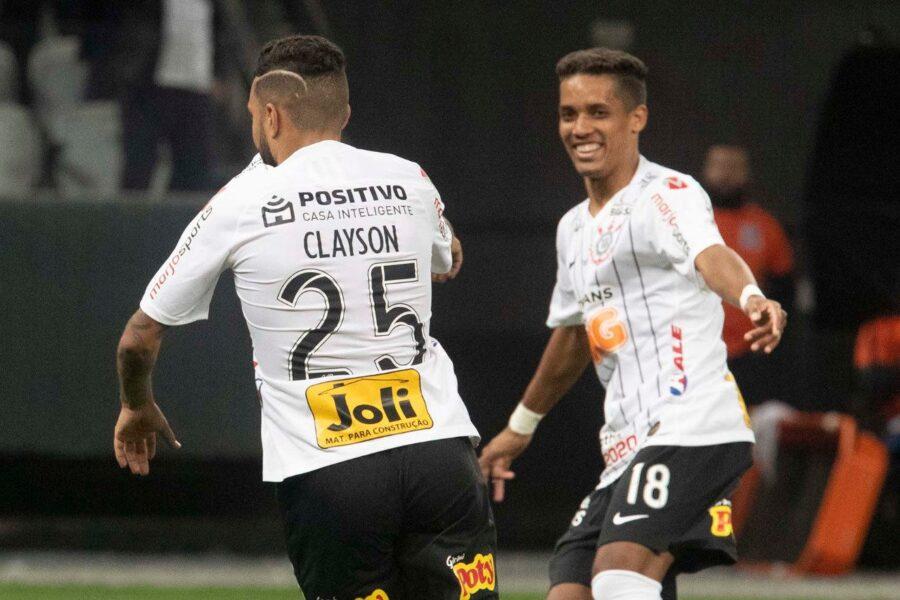 Corinthians bate Wanderers e se aproxima da vaga nas quartas da Sul-Americana