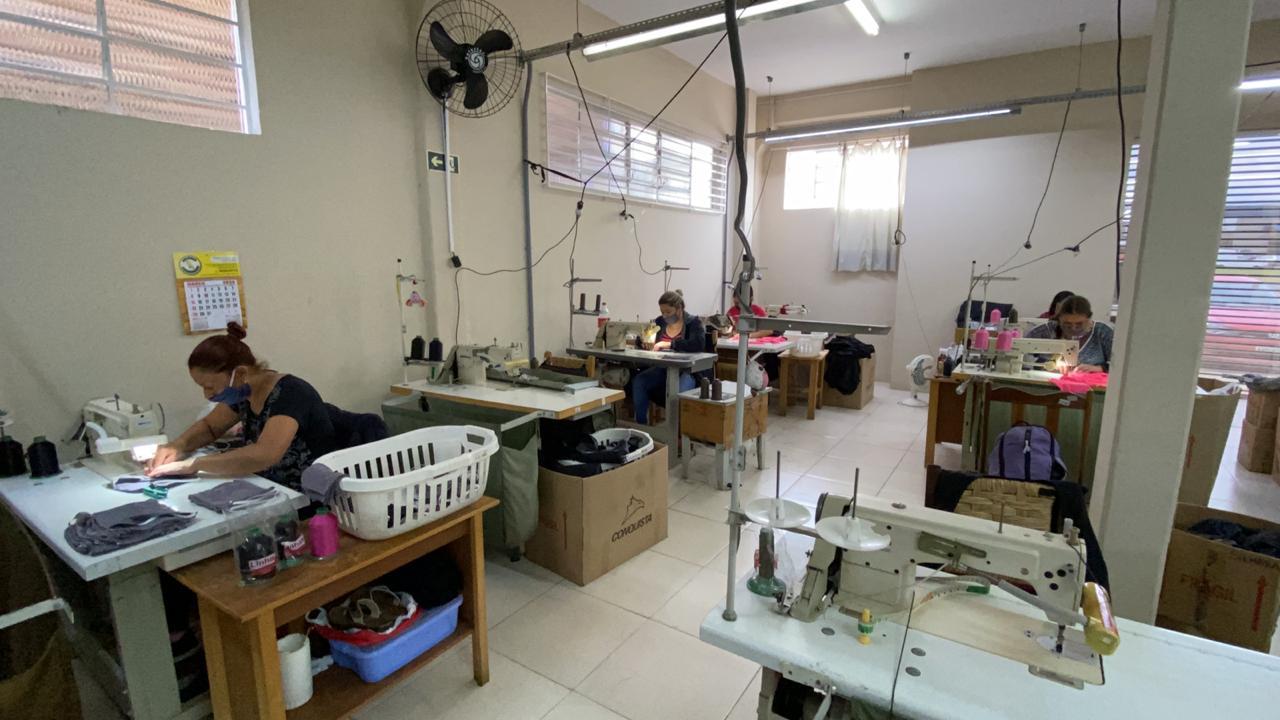 costureiras-fabrica-mascaras-coronavirus-campo-largo